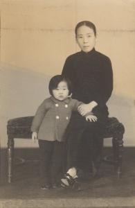 Min Kabwan and her niece, Shanghai(1)